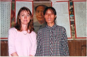 Lisa See interviewing nushu teacher