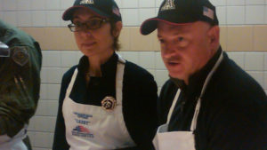 Gabrielle Giffords Serves Thanksgiving Dinner