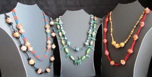 Guatemalan Women Turn Trash into Jewelry--TWE Top 10