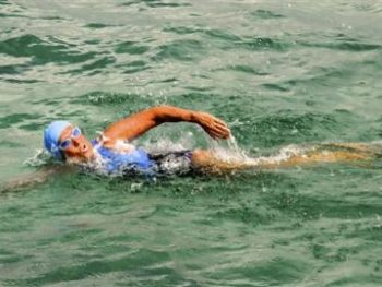 Diana Nyad attempting solo swim from Cuba to Florida Keys, 2012