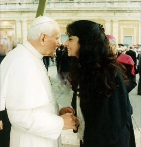 Sylvia Oberti meets with the Pope who was moved by her quest to promote early cancer detection