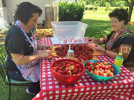 Beth Howard's Fourth of July piemaking with volunteers, Eldon, Iowa/Photo: Daniel Broten