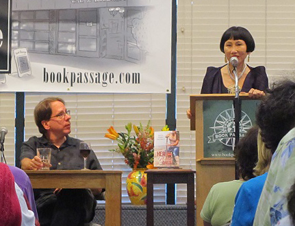 Sam Barry and author Amy Tan | Photo: Jim Shubin