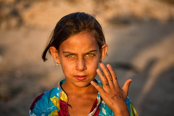 Mimo Khair photograph of Syrian girl