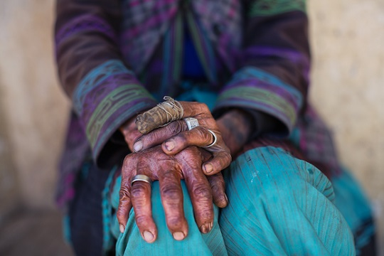 """Mimo Khair photo, """"If Hands Could Speak"""""""