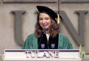 Maya Rudolph giving commencement speech at Tulane/nytlive.nytimes.com article