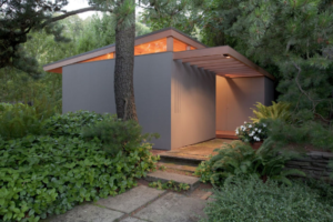 Tiny House in Portland designed by Pietro Bellluschi