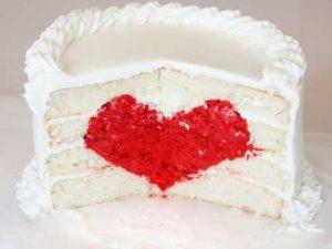 Valentine's Day Cake/iambaker.net