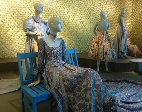 Oscar de la Renta dresses from retrospective at de Young/Photo: Wendy Verlaine
