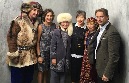 Stacey Reiss, producer The Eagle Huntress and Aisholpan and movie crew/Photo from Stacey Reiss