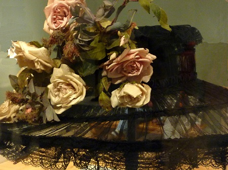 Madame Georgette Hat, 1910, painted cotton flowers and leaves on wire frame/Photo: Courtesy Wendy Verlaine